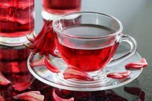 Chá de Hibisco: 18 Benefícios e Como tomar