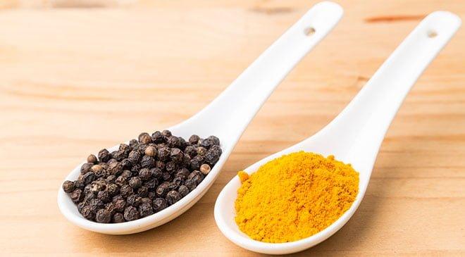 Piperina pimenta preta e cúrcuma