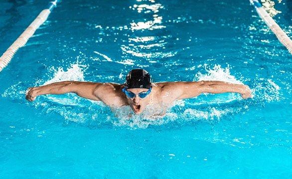 exercícios aeróbicos e de força