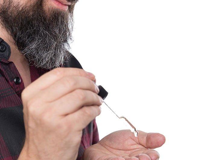 Óleos para tratar da barba