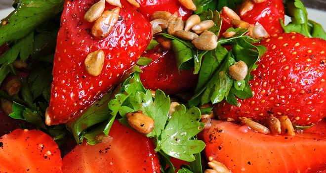 salada de morango fitness